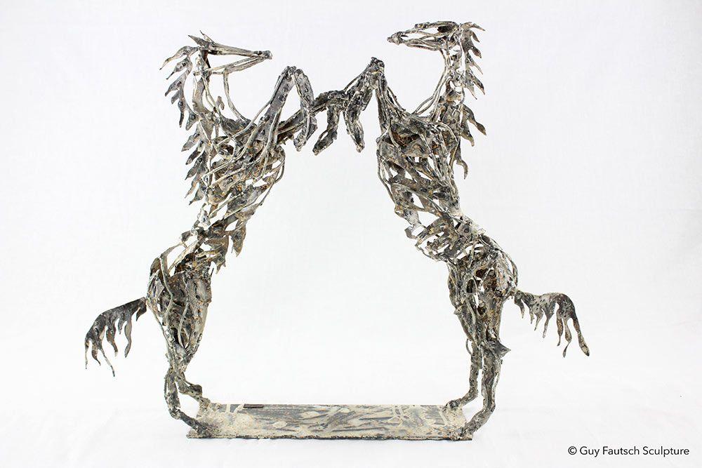 Sculpture métallique de chevaux
