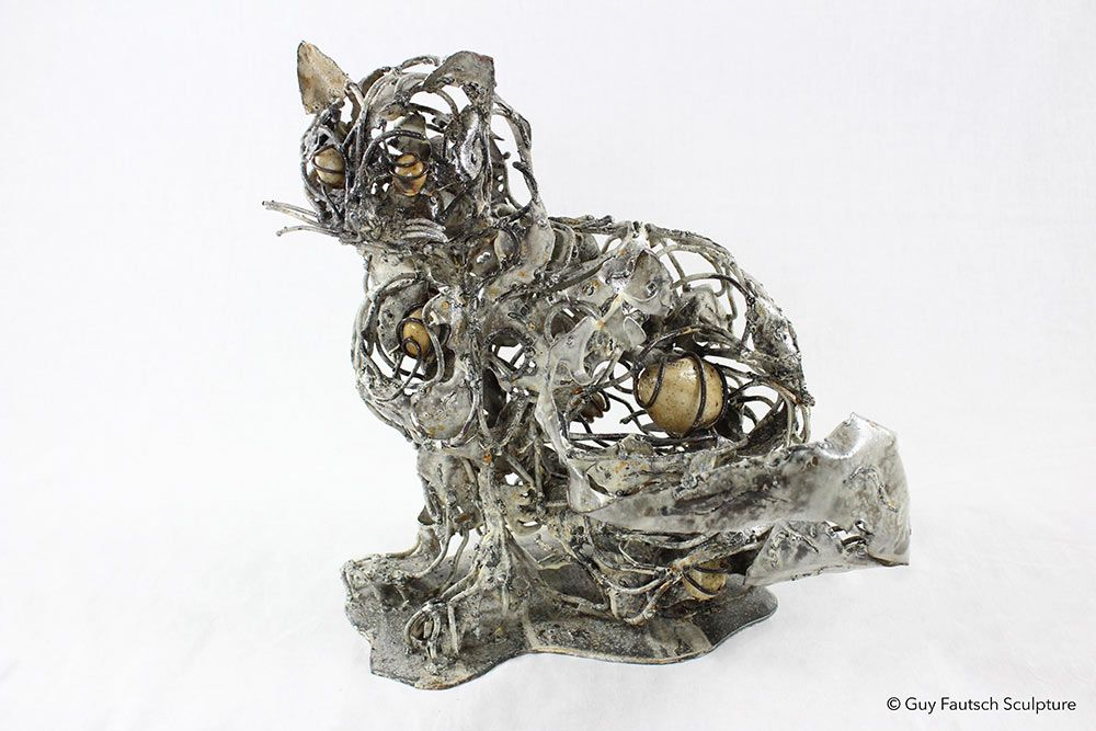 Sculpture de chat en métal