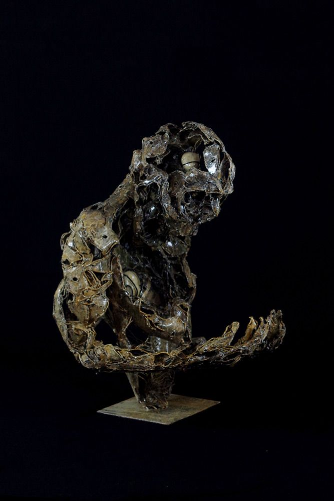 The Outsider - Sculpture en métal