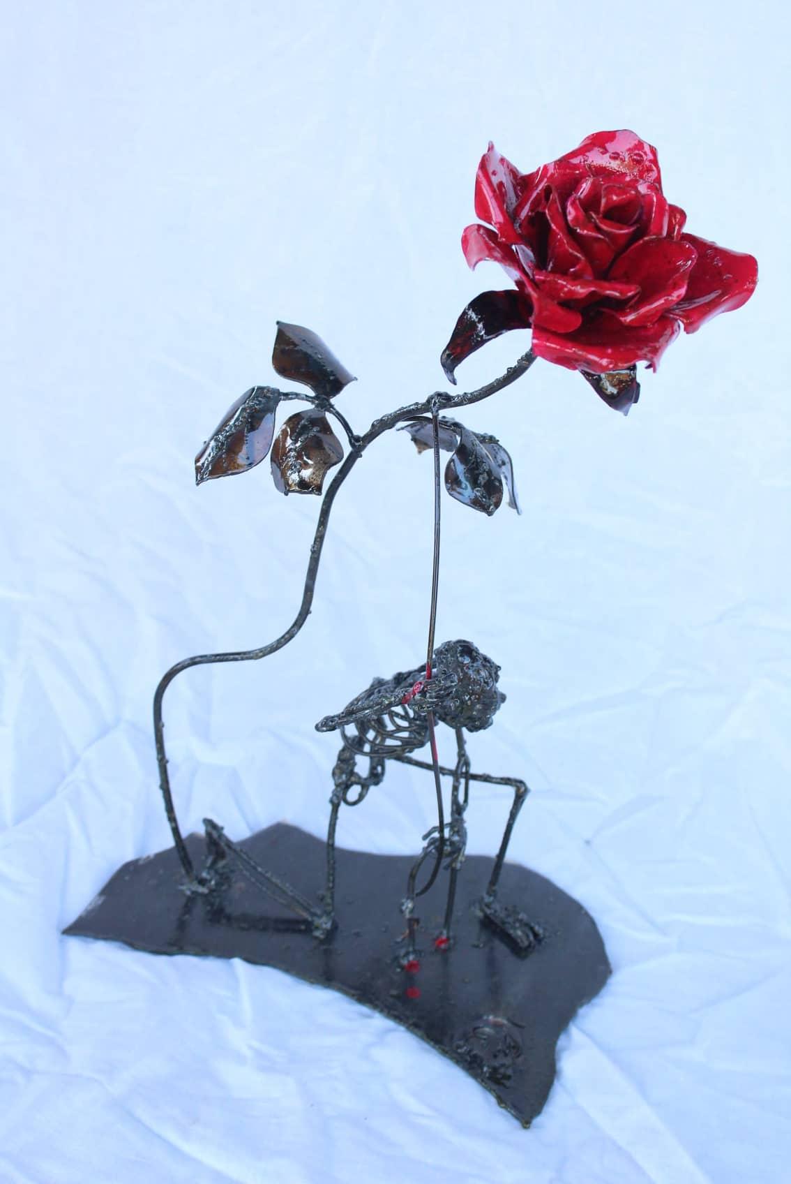Rose et squelette